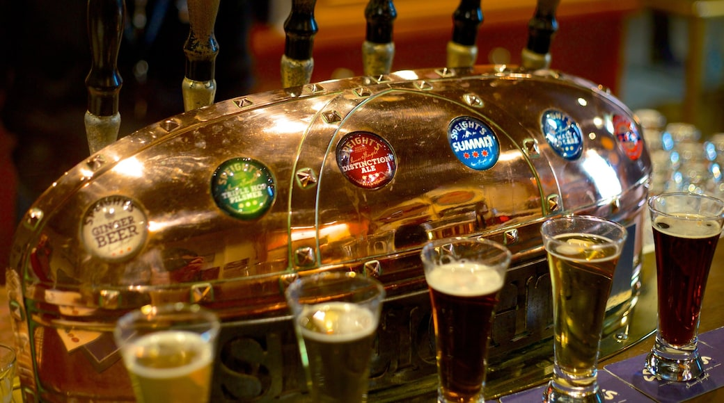 Speight\'s Brewery which includes drinks or beverages, interior views and a bar