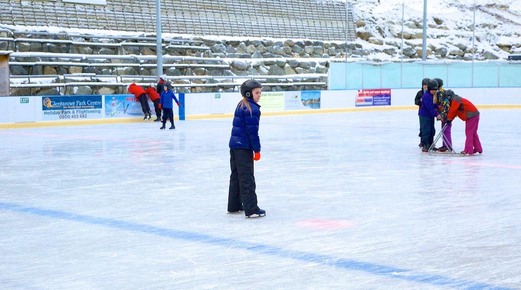 蒂卡波溫泉 其中包括 溜冰 以及 位小童