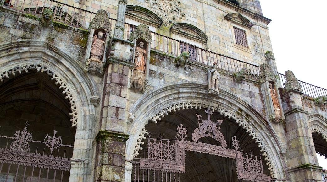 Cathédrale de Braga mettant en vedette éléments religieux, église ou cathédrale et patrimoine architectural
