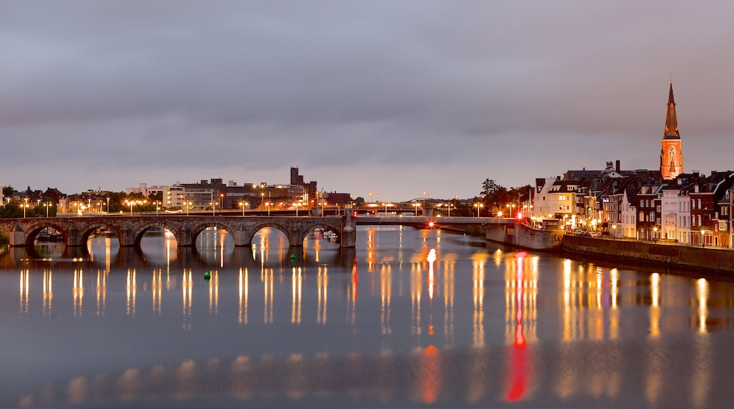 Maastricht featuring a bridge, a city and a river or creek