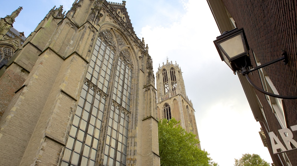 Utrecht mostrando uma igreja ou catedral e arquitetura de patrimônio