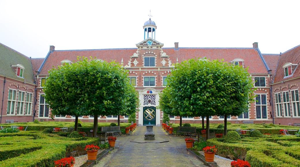 Frans Hals Museum featuring a garden
