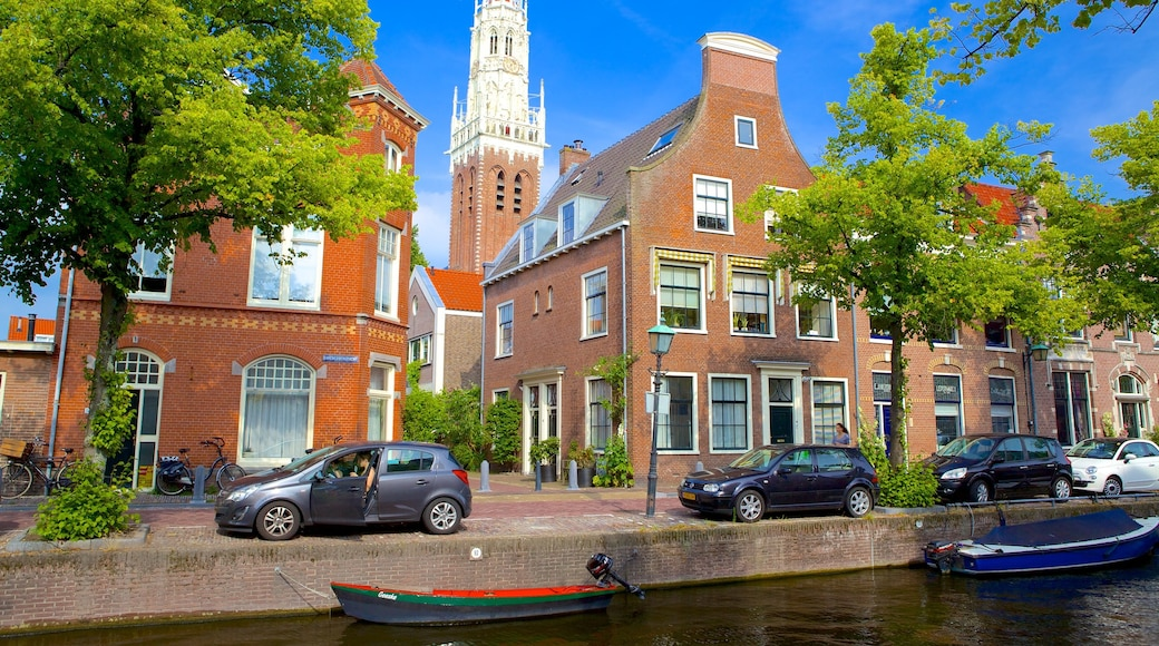 Haarlem which includes street scenes