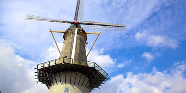 Spijkenisse showing a windmill and heritage architecture