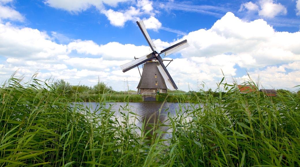 Kinderdijk featuring joki tai puro ja tuulimylly
