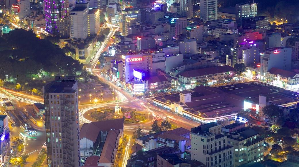 Hô-Chi-Minh-Ville mettant en vedette scènes de nuit et ville