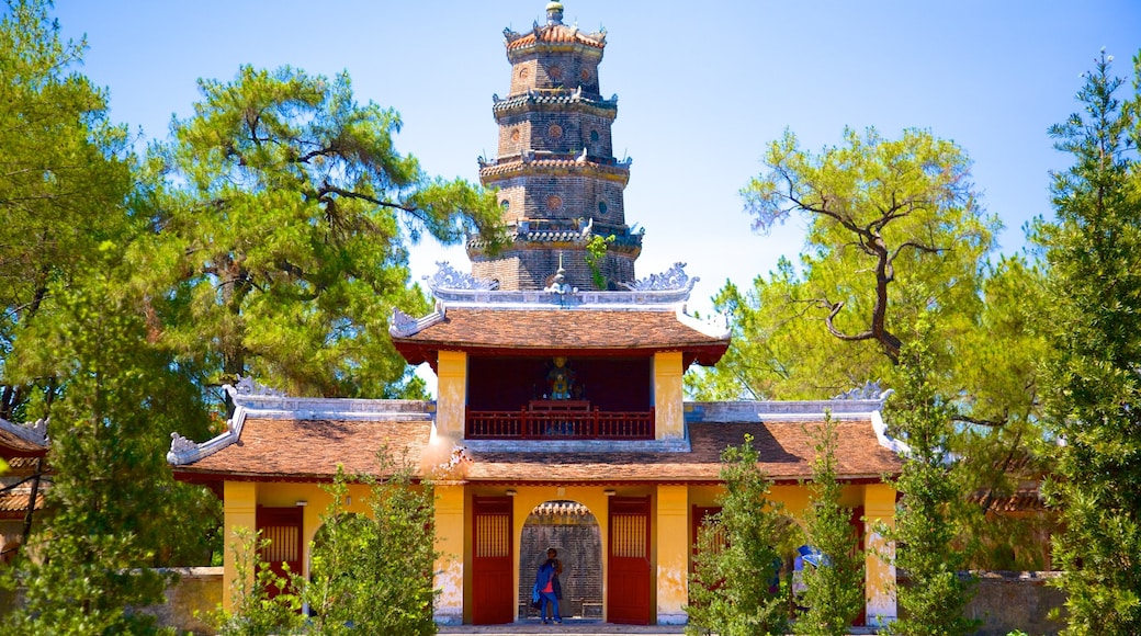 Thien Mu Pagoda which includes a temple or place of worship