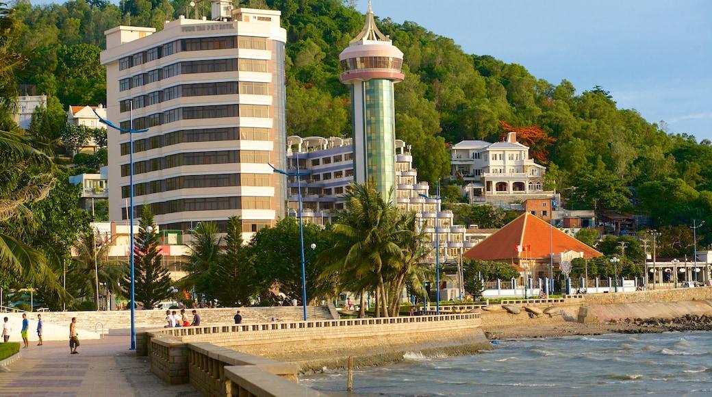 Vung Tau qui includes ville et vues littorales
