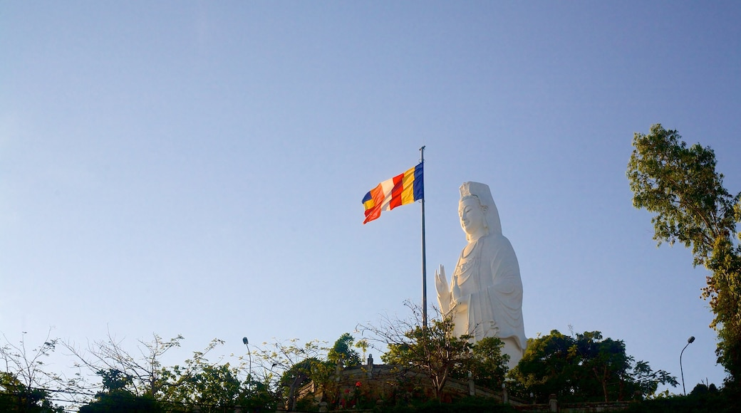Son Tra Mountain featuring a statue or sculpture