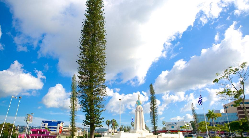 Monumento al Salvador del Mundo