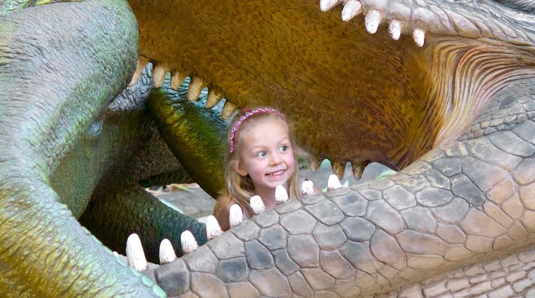 Australia Zoo mit einem gefährliche Tiere und Zootiere sowie einzelnes Kind