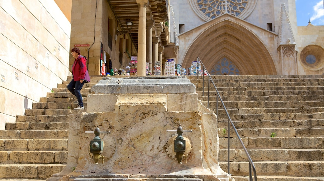 Kathedrale von Tarragona das einen Geschichtliches und historische Architektur