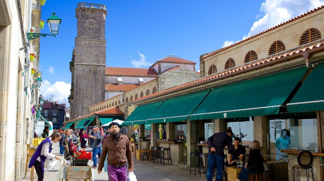Mercado de Abastos de Santiago which includes markets, shopping and street scenes