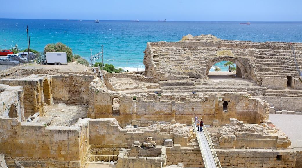 Amphitheater von Tarragona das einen historische Architektur, Ruine und Küstenort