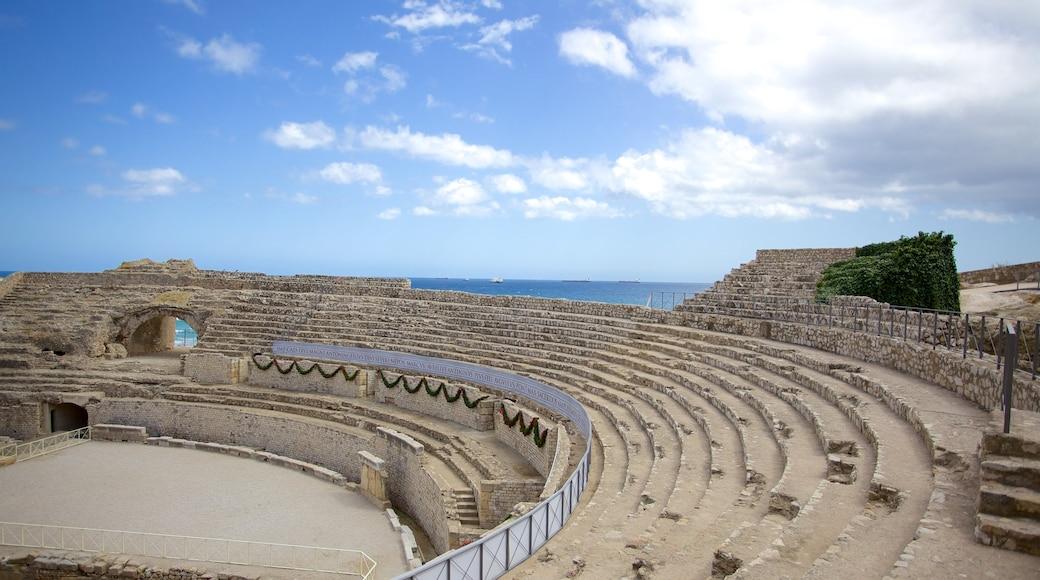 Amphitheater von Tarragona das einen historische Architektur, Theater und Ruine