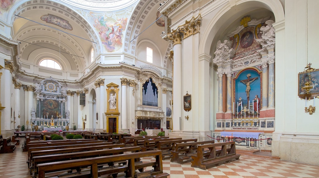 Cathedral of San Giovanni Battista which includes religious aspects, a church or cathedral and interior views