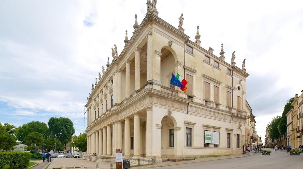 Palazzo Chiericati caratteristiche di oggetti d\'epoca, edificio amministrativo e castello