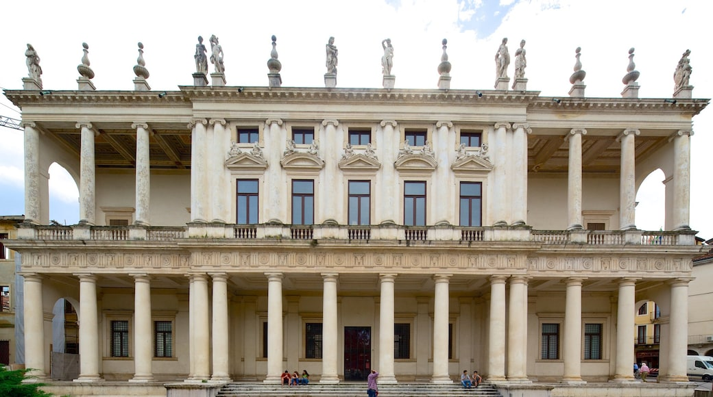 Palazzo Chiericati caratteristiche di castello e architettura d\'epoca