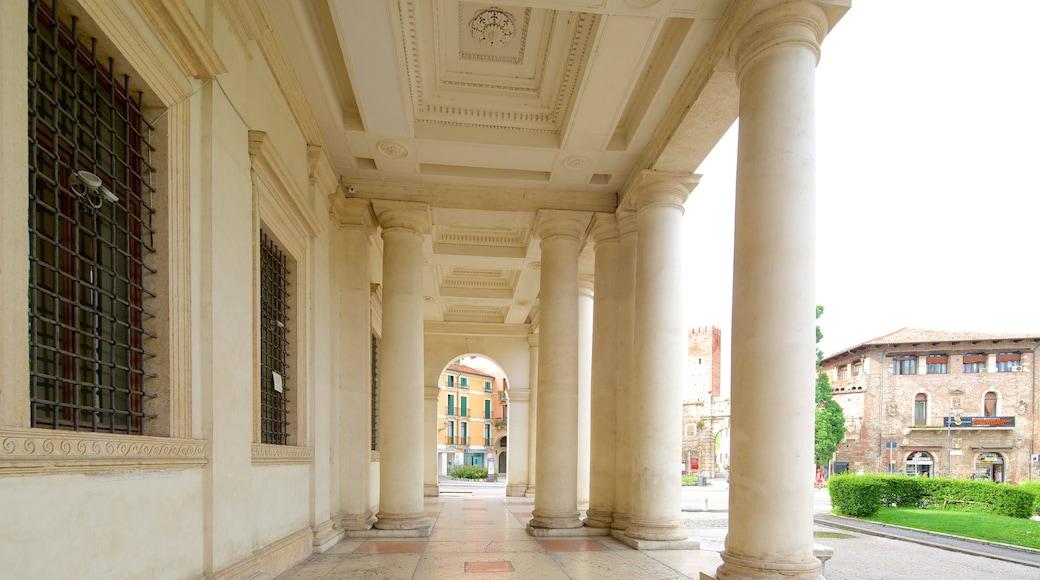 Palazzo Chiericati caratteristiche di oggetti d\'epoca, castello e architettura d\'epoca