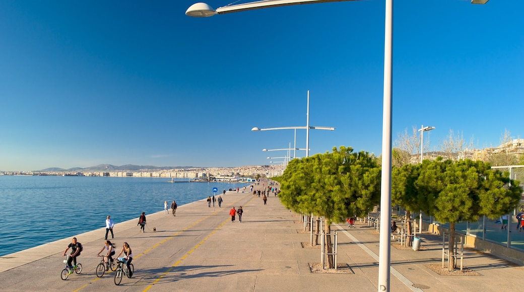 Thessaloniki showing general coastal views and street scenes