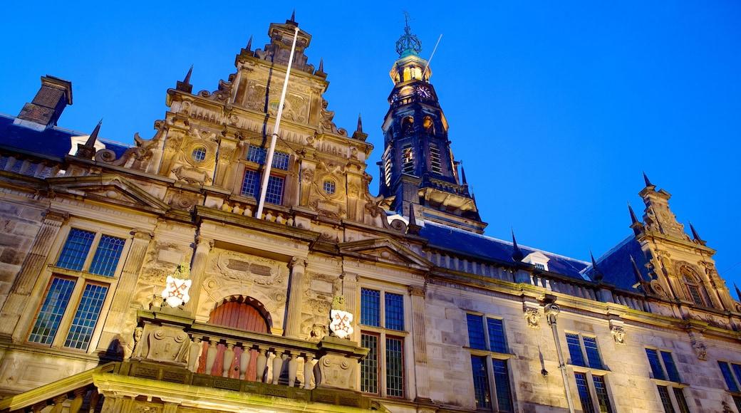 Stadhuis mettant en vedette patrimoine architectural, coucher de soleil et bâtiment public