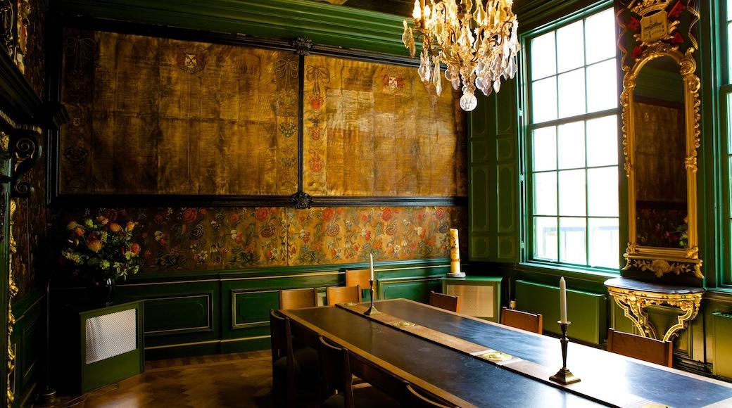 Pieterskerk toont historische architectuur en interieur