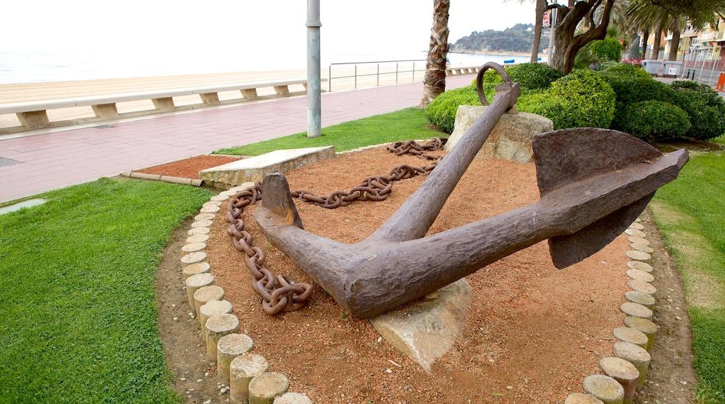 Plage de Lloret de Mar mettant en vedette monument