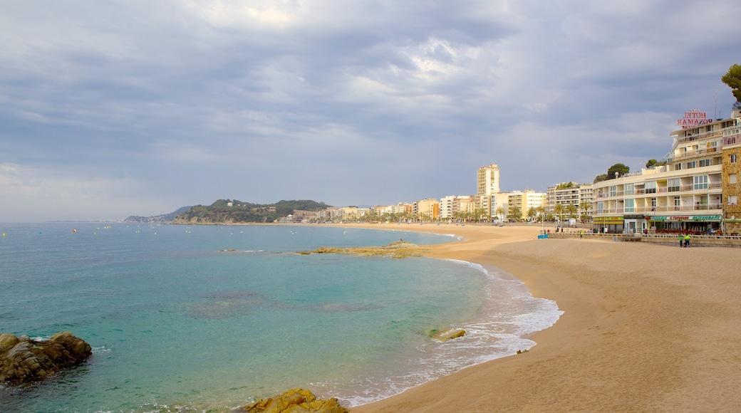 Lloret de Mar Strand welches beinhaltet Strand