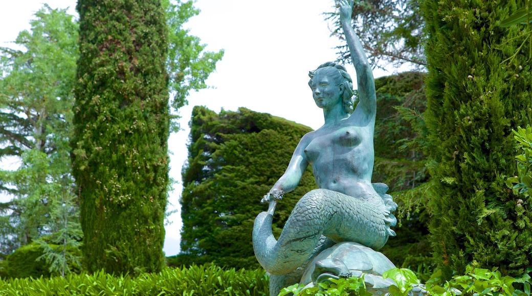 Santa Clotilde Gardens showing outdoor art, a statue or sculpture and a garden