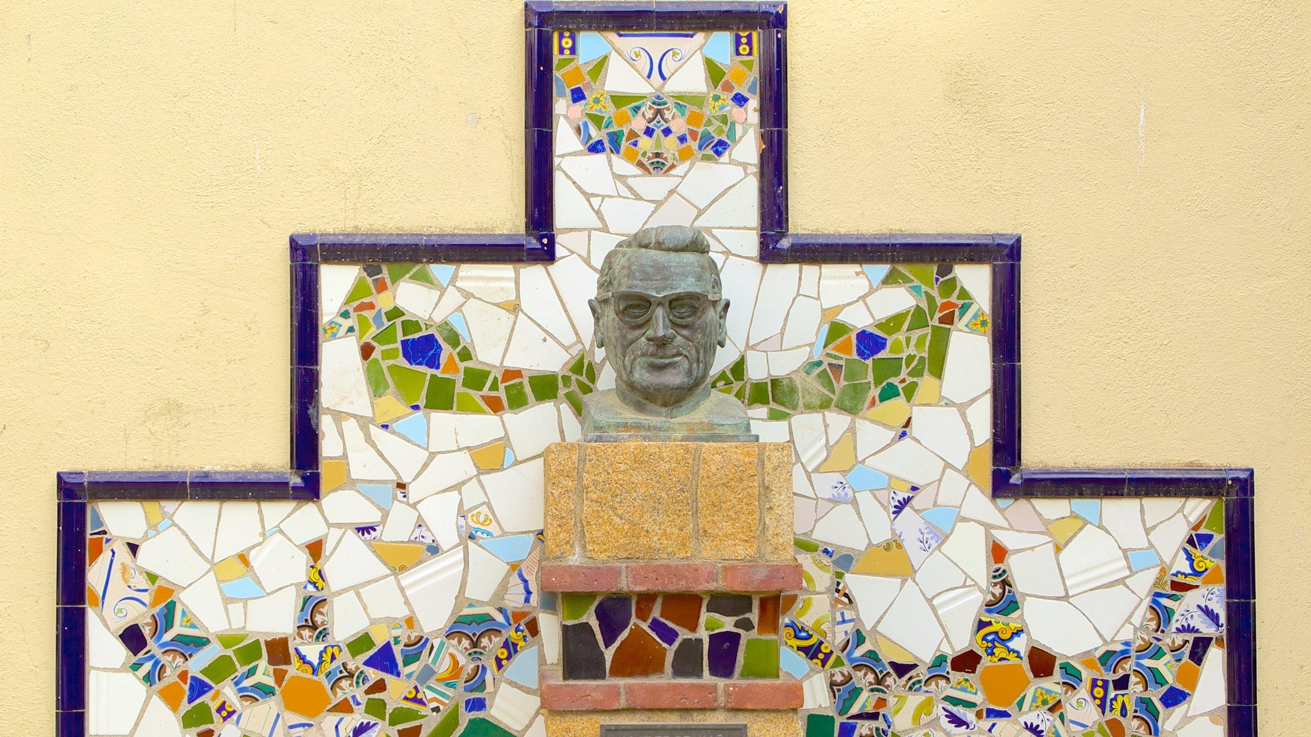 Cette église singulièrement colorée et riche d'histoire fait assurément partie des sites les plus reconnaissables de Lloret de Mar.
