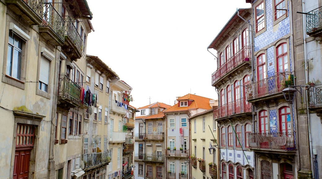 Porto which includes a city and street scenes