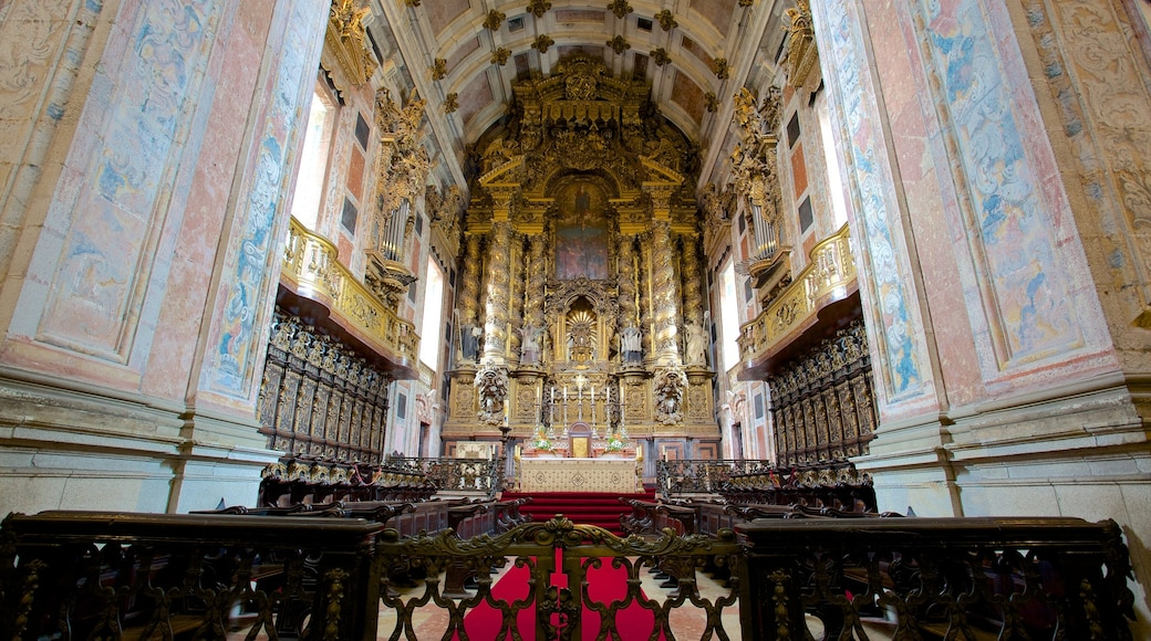 Porto Cathedral showing religious elements, interior views and a church or cathedral