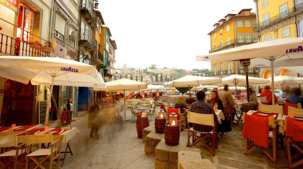 Ribeira-plassen fasiliteter samt spise utendørs, liten by eller landsby og cbd