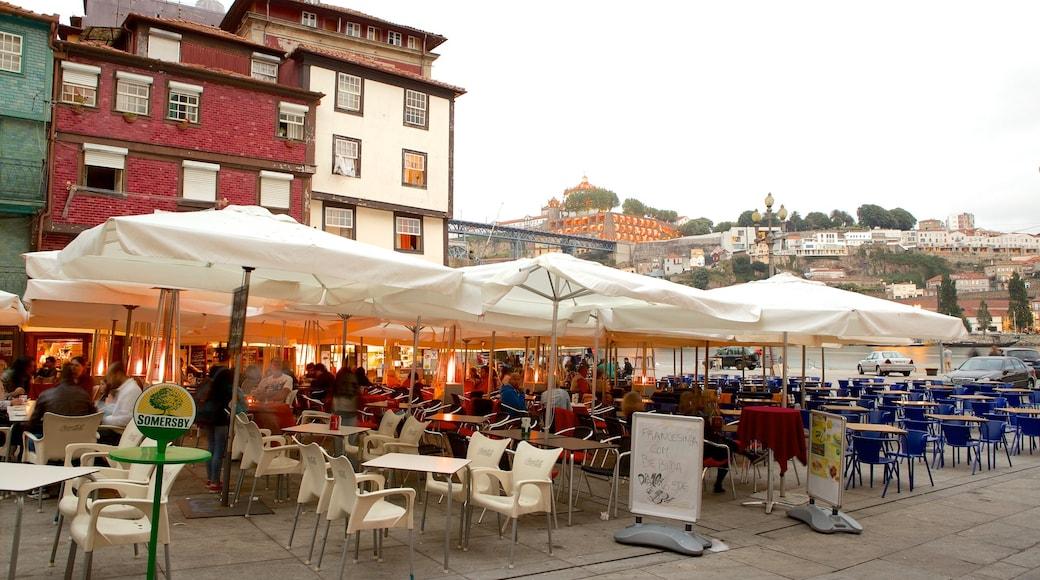 Ribeira-plassen fasiliteter samt skilt, cbd og kafé