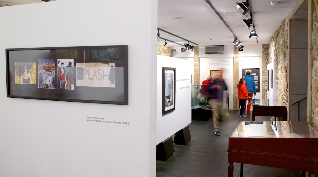 Sandeman Cellars showing interior views and art