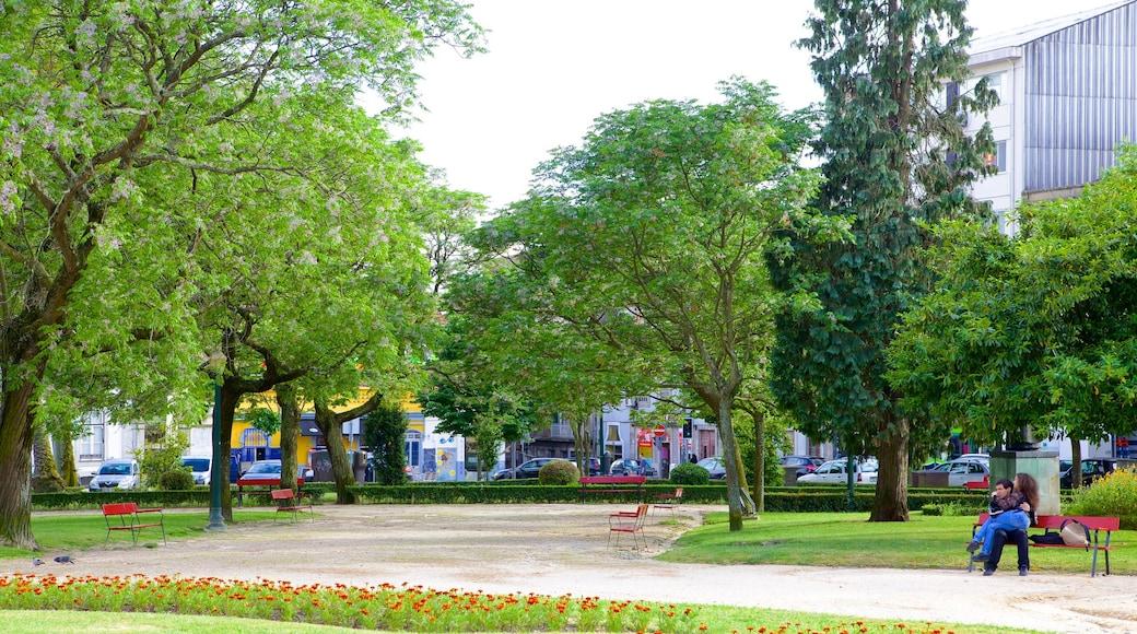 Praça da Republica que incluye un parque y una ciudad