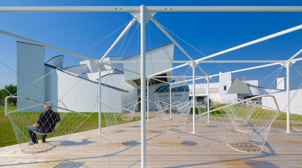 Basilea que incluye arquitectura moderna y también un hombre