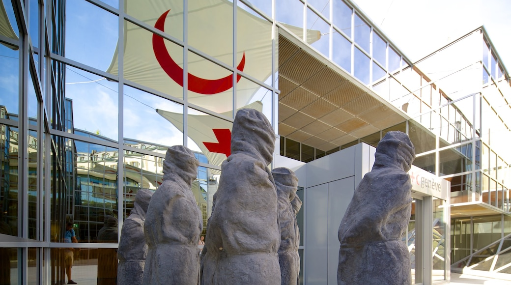 International Museum of the Red Cross and Red Crescent which includes a statue or sculpture