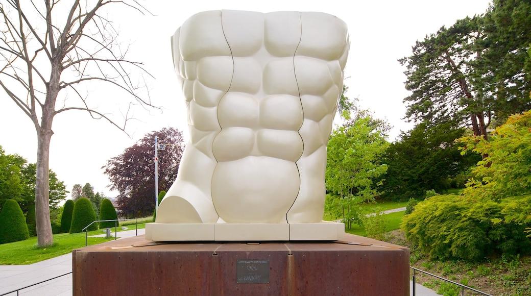 Musée olympique qui includes art en plein air et jardin