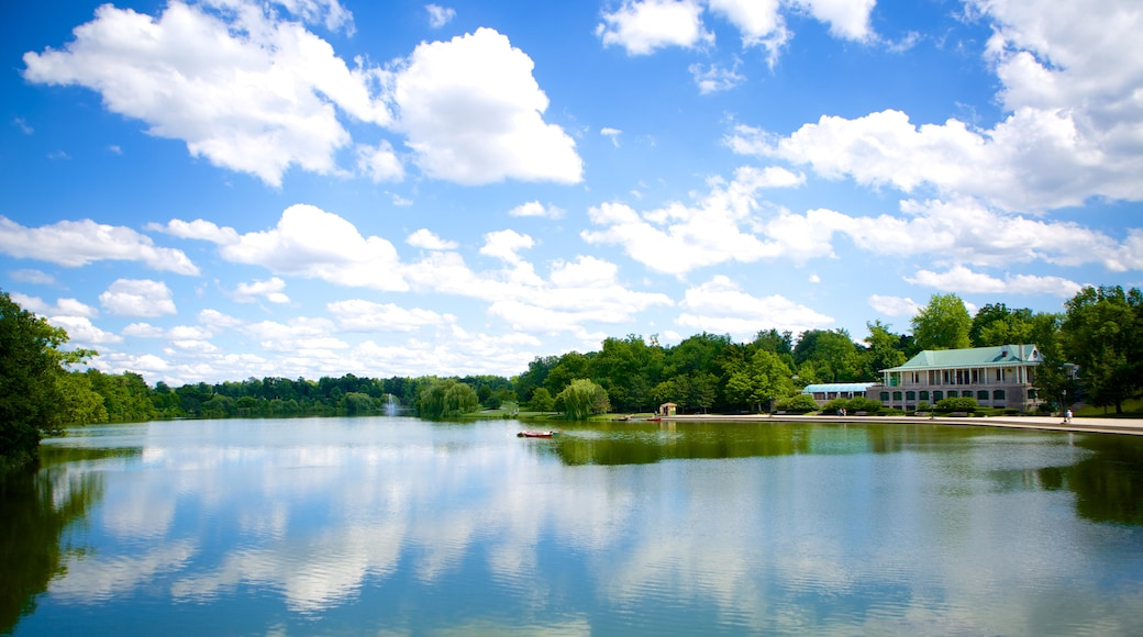 Delaware Park featuring a lake or waterhole