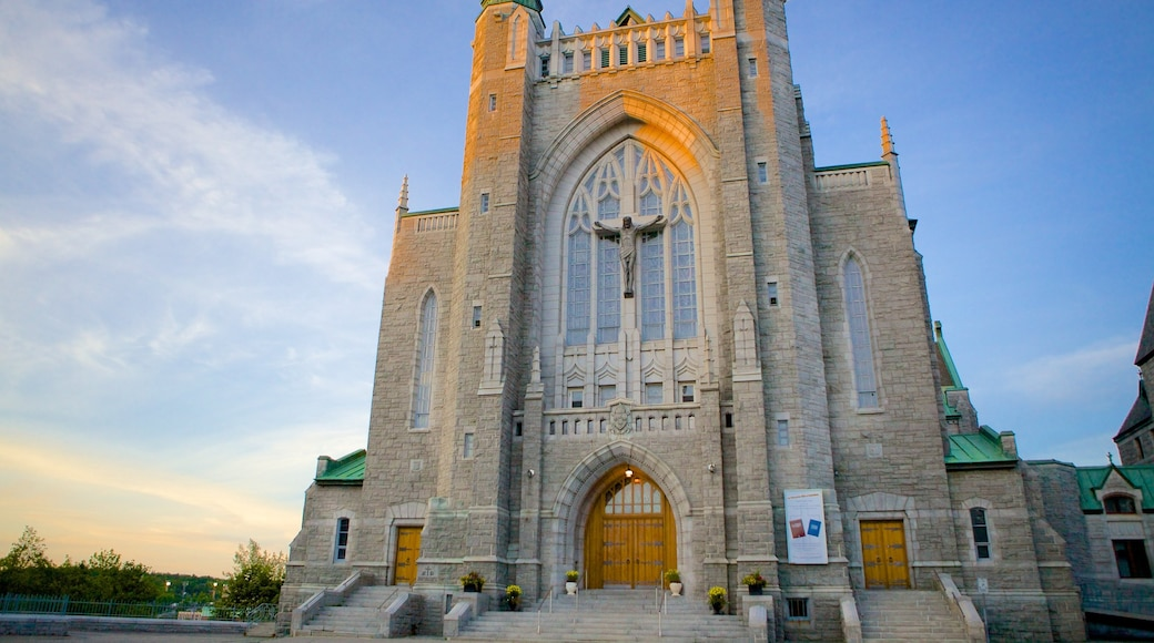 Sherbrooke which includes religious elements, heritage architecture and a church or cathedral