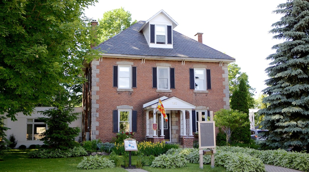 Bromont which includes heritage architecture and a house