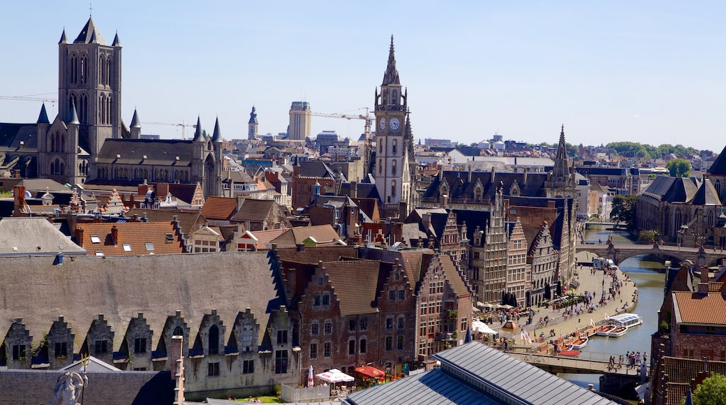 Gravensteen showing a city and heritage architecture