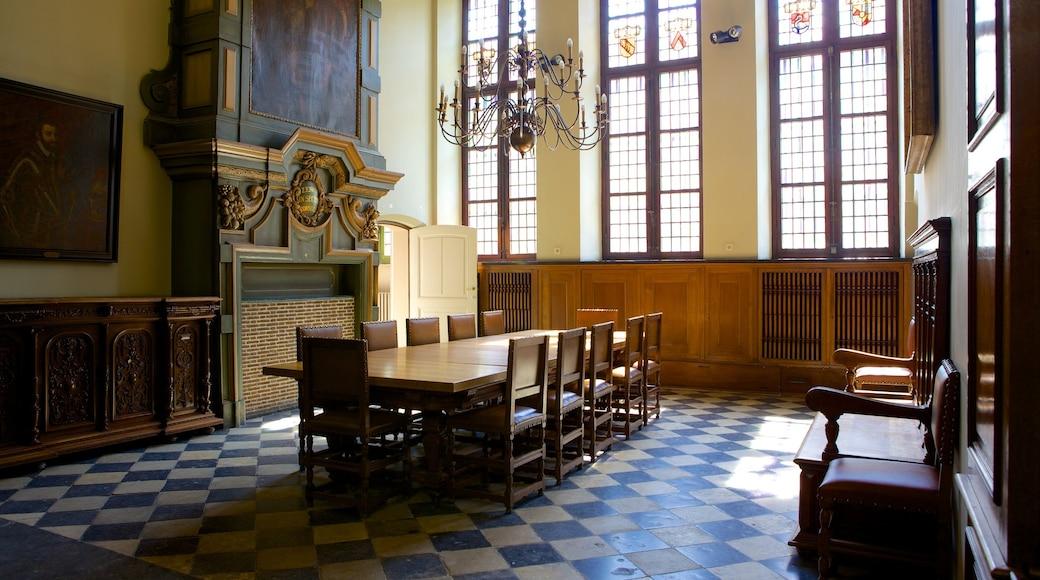 Hôtel de ville de Gand montrant patrimoine architectural, bâtiment public et vues intérieures
