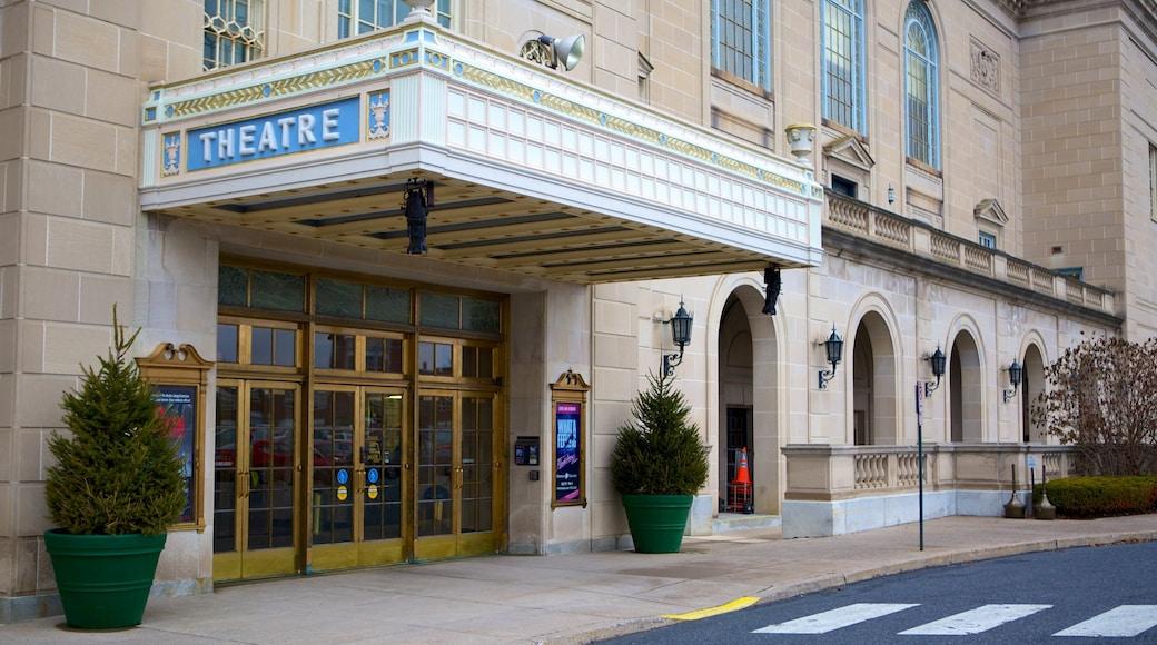 Hershey Theater caracterizando cenas de rua e cenas de teatro