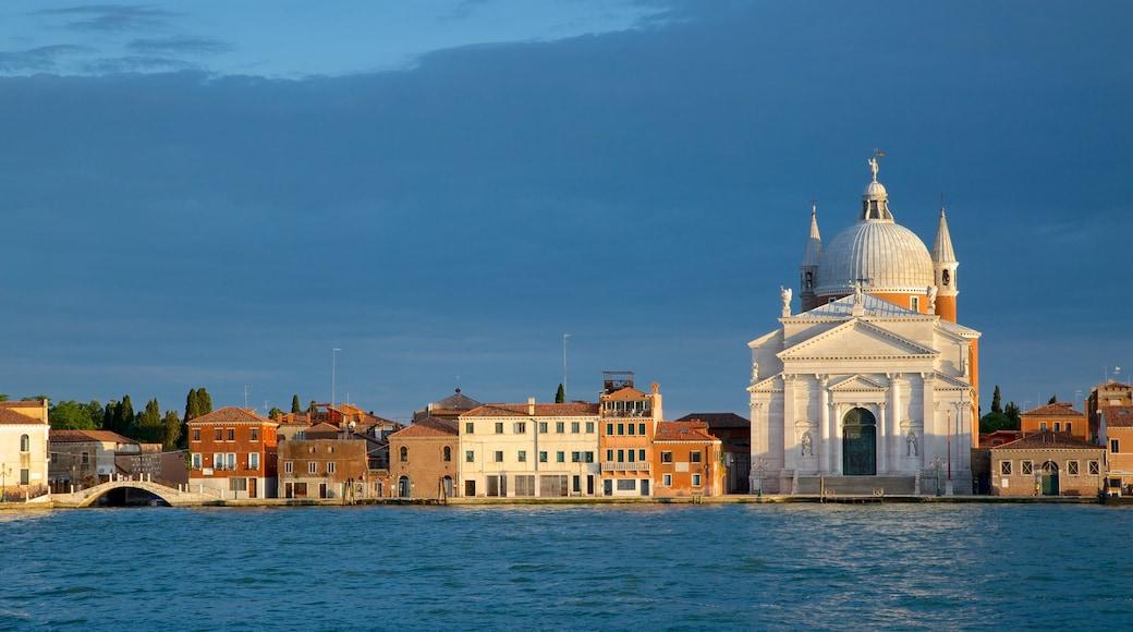 Dorsoduro das einen historische Architektur und Küstenort
