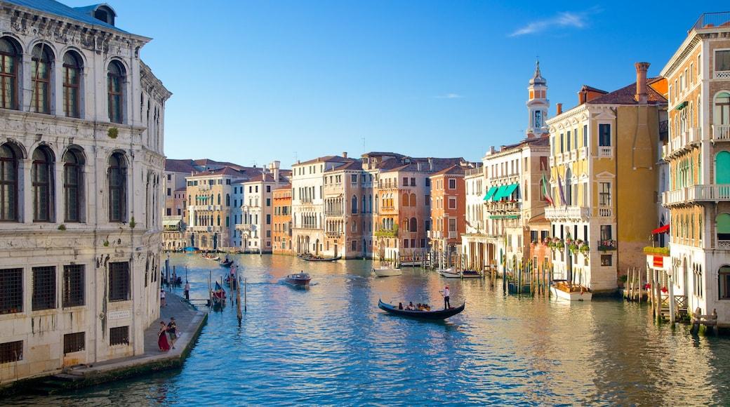 Venedig mit einem historische Architektur und Fluss oder Bach