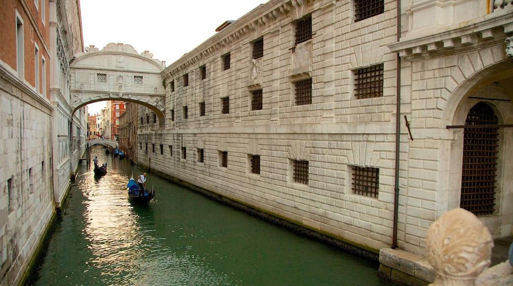 Seufzerbrücke mit einem historische Architektur und Fluss oder Bach