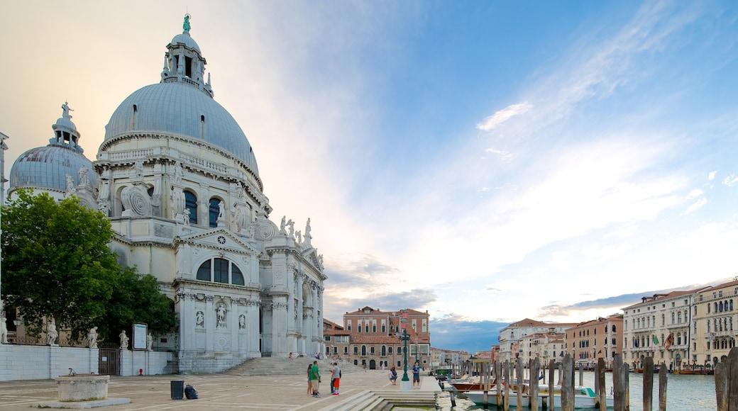 Venedig welches beinhaltet historische Architektur