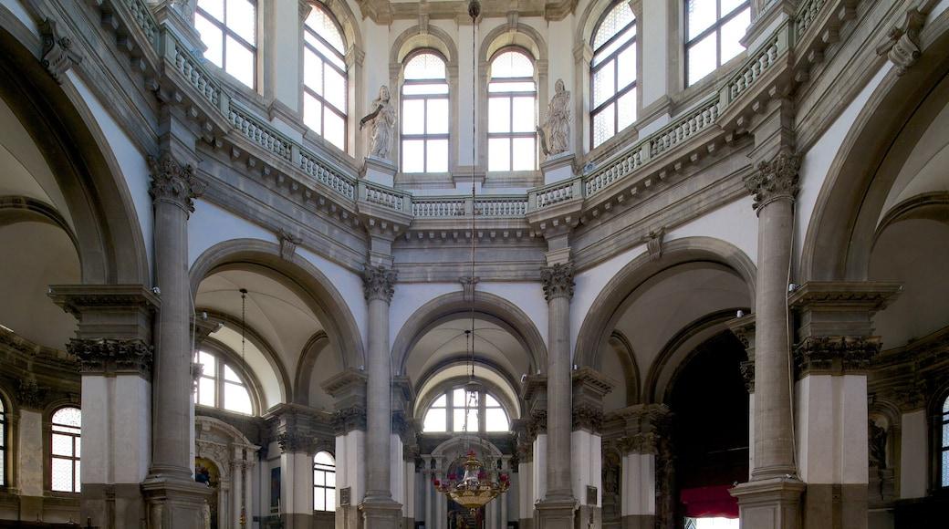 Venedig welches beinhaltet historische Architektur und Innenansichten